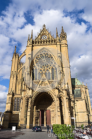 Free METZ, FRANCE/ EUROPE - SEPTEMBER 24: Vew Of Cathedral Of Saint-E Royalty Free Stock Photos - 70628788