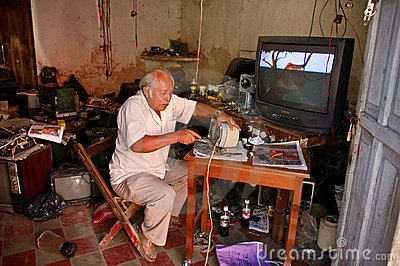 Mexican Electronics Repair Shop Editorial Stock Photo - Image: 5132178