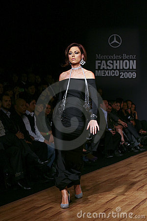 Free MEXICO CITY A Model Walks The Runway Royalty Free Stock Photos - 9457518