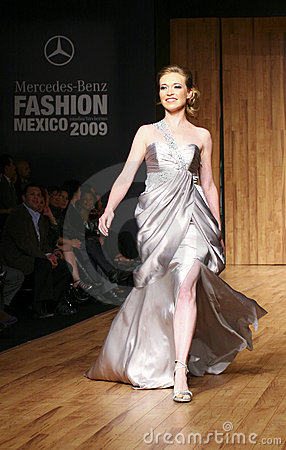 MEXICO CITY A Model Walks The Runway MBFM 2009 Royalty Free Stock Photo - Image: 9457785