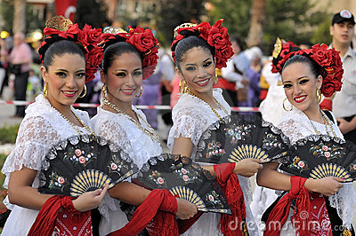 Mexico young ladies, folklore dancers Editorial Image