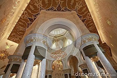 Mezquita magnífica Abu Dhabi de Sheikh Zayed Foto editorial