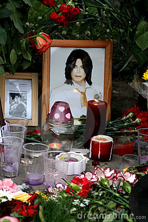 Michael Jackson s death. Reaction of Moscow fans Editorial Photo