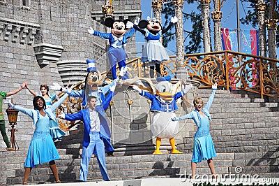 Mickey en Muis Minnie in de Wereld van Disney Redactionele Foto