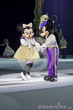 Mickey and Minnie before the dance Editorial Stock Image