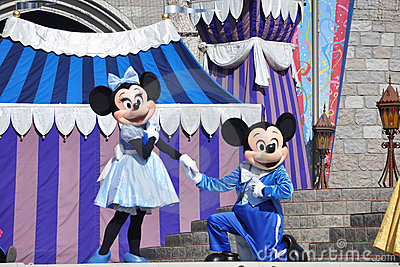 Mickey and Minnie Mouse in Disney World Editorial Stock Image
