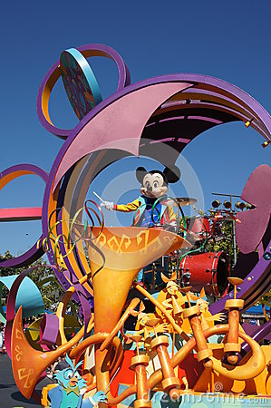 Mickey Mouse chez Disneyland Photographie éditorial