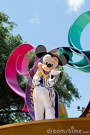 Mickey Mouse in een Parade Redactionele Foto