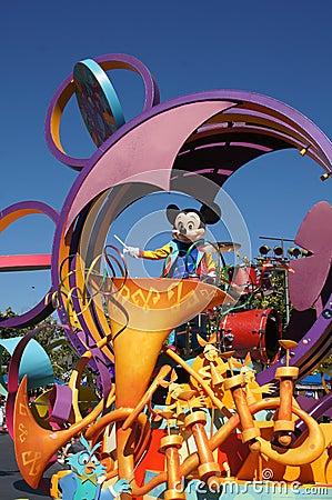 Mickey Mouse en Disneylandya Fotografía editorial