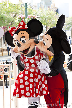Free Mickey Mouse Kisses Minnie Mouse Royalty Free Stock Photography - 24372687