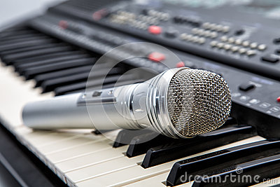 Microphone on keys of a musical