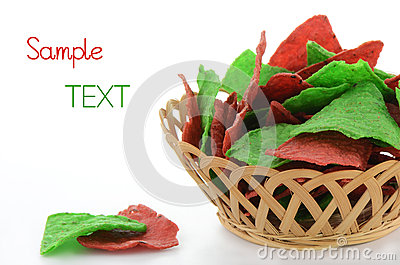 Microplaquetas de tortilla vermelhas e verdes