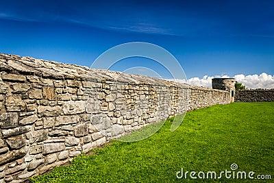 Middeleeuwse muur die het kasteel met steen omringt stock foto 39 s afbeelding 26406653 - Zomer keuken steen ...