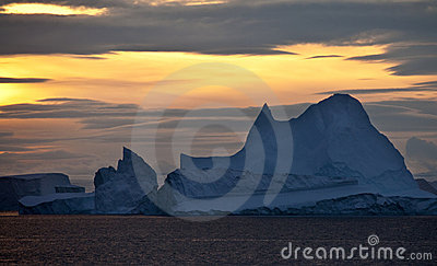 Midnight Sun in Scoresbysund - Greenland