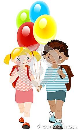 Miúdos felizes com balões. infância da escola.