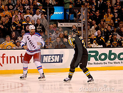Mike Rupp and Shawn Thornton Square off (NHL) Editorial Stock Image
