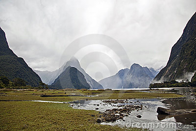 Milford sounds new zealand fjords