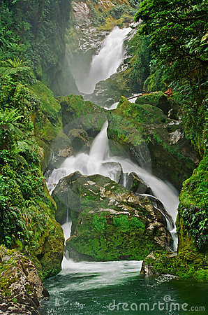 Milford Track Mackay Waterfall, New Zealand