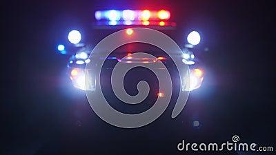 Milicyjny radiowóz przy sceną przeciwawaryjny okulistycznego obiektywu defocus zbiory wideo