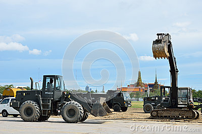 Militar renovate The royal field (Sanam Luang) Editorial Stock Image