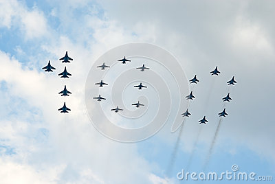Military jets in 100 formation Editorial Image