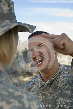 Free Military Officer Yelling At Female Soldier Royalty Free Stock Photos - 29659858
