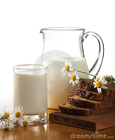 Free Milk And Bread Stock Photo - 10364890