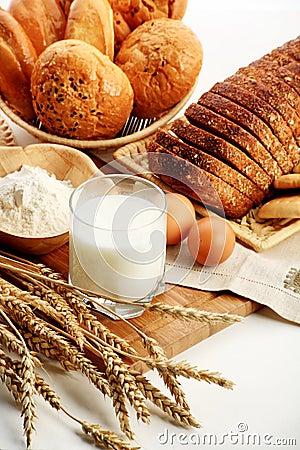 Free Milk Bread Royalty Free Stock Photo - 7445315