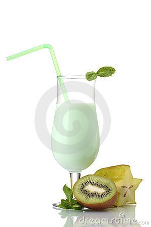 Milk shake with kiwi and corambola