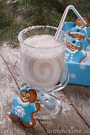 Free Milkshake And Gingerbread Men Royalty Free Stock Photos - 35503868