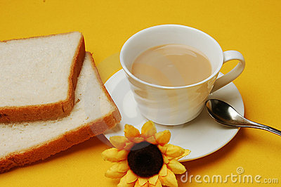 Milky tea with bread