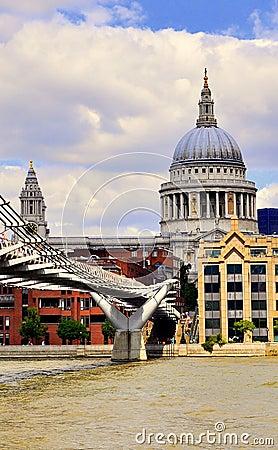Millenium Bridge and Sain Paul s Cathedral Editorial Photo