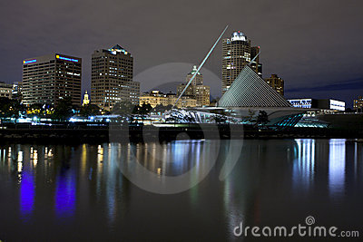 Milwaukee Wisconsin (night)