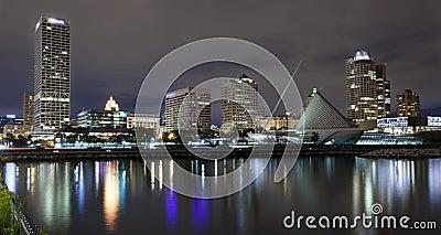 Milwaukee Wisconsin at night