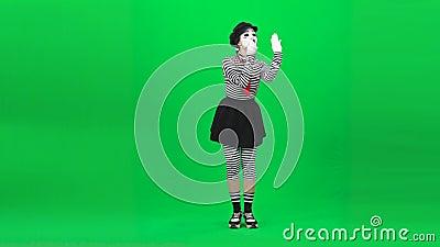 Mime fille met du rouge à lèvres Clé chromatique Longueur complète clips vidéos