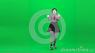 Mime girl conduit une voiture Clé chromatique Longueur complète clips vidéos