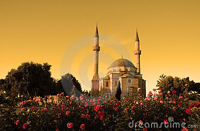 Minaretu meczet dwie