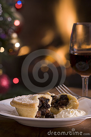 Free Mince Pie With Brandy Cream And A Glass Of Sherry Royalty Free Stock Image - 5604196