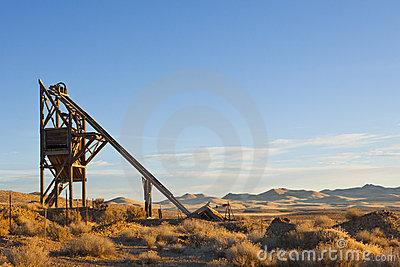 Mine Shaft Head Frame