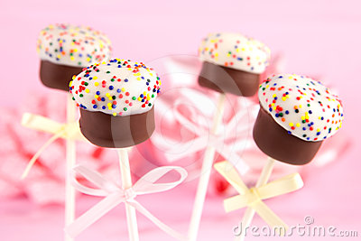 Mini cakes on sticks