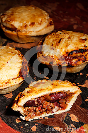 Mini chilli beef pies