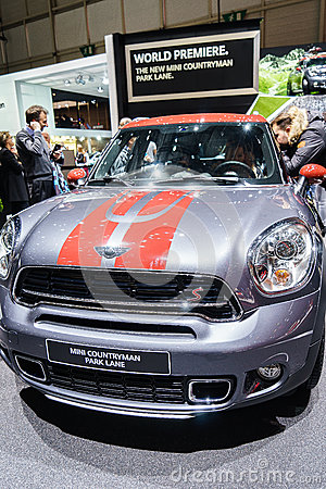 Mini Countryman Park Lane Motor Show Geneva 2015