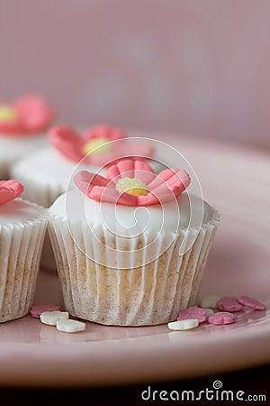 Free Mini Flower Cupcakes Royalty Free Stock Photo - 10597465