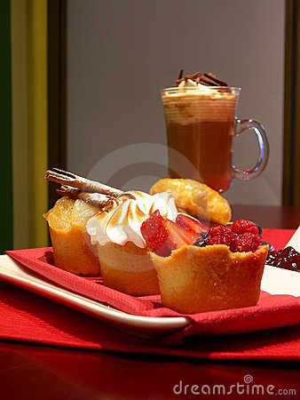 Free Mini Sweet Pies Lunch Stock Photos - 4566583
