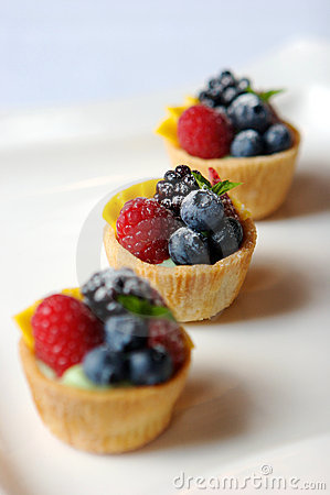 Free Miniature Fruit Tart Stock Photo - 3752150