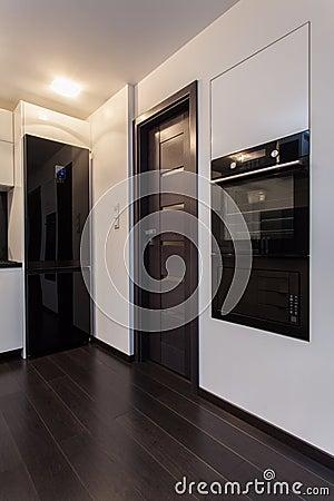 Minimalist apartment - kitchen appliances