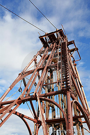 Free Mining Headframe Royalty Free Stock Image - 819176