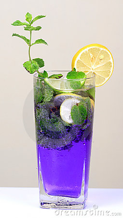 Mint and lemon soda drink