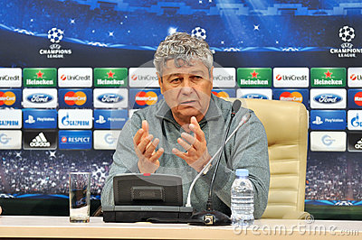 Mircea Lucescu speaks to reporters Editorial Stock Image