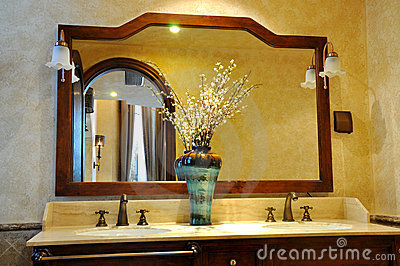 Mirror and ornaments in washroom